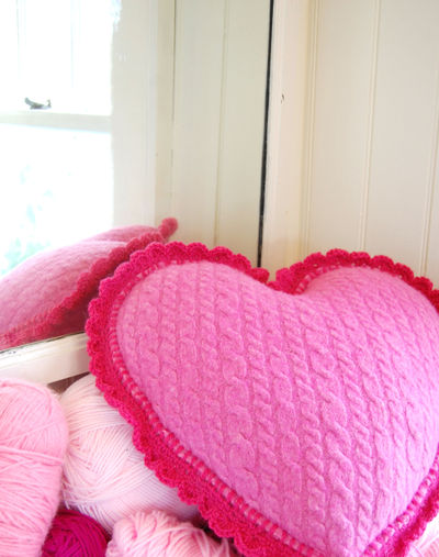 Heart pillow 1 026