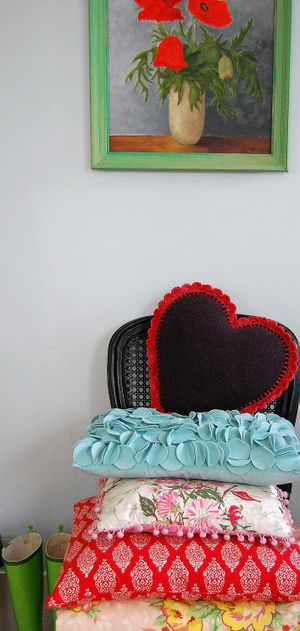 Chair and pillow 060c