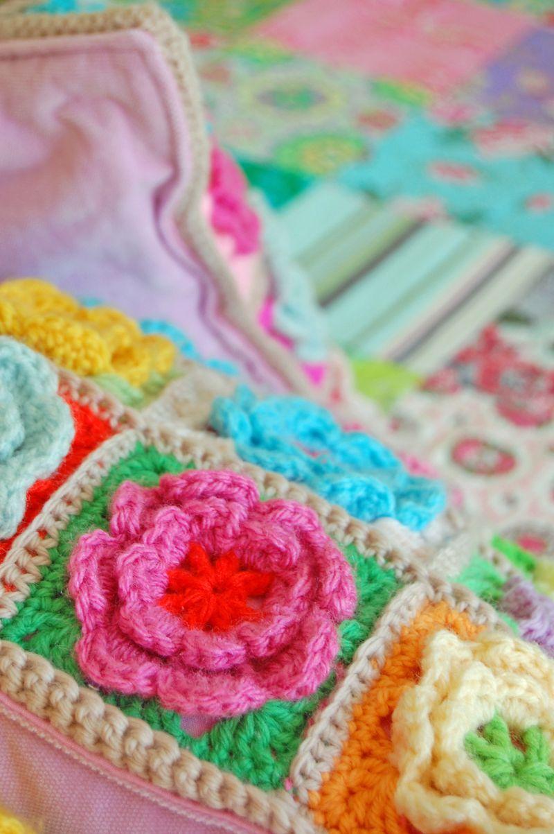 Crochet pillows and quilt 166a