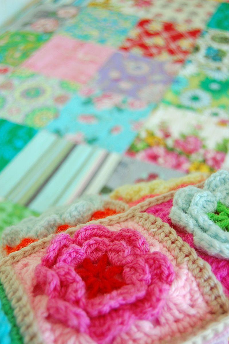 Crochet pillows and quilt 201a