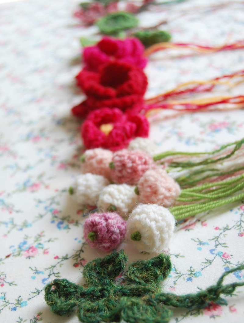 Rose hip i think flowers and foliage are addictive to crochet because for one they are so quick to make and also probably the real reason for the ever growing izmirmasajfo