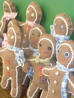 Gingerbread_men_and_christmas_trees_011