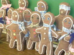 Gingerbread_men_and_christmas_trees_030