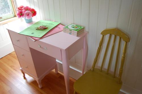 Pink_desk_2_004